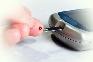 Как измерить уровень сахара в крови глюкометром?